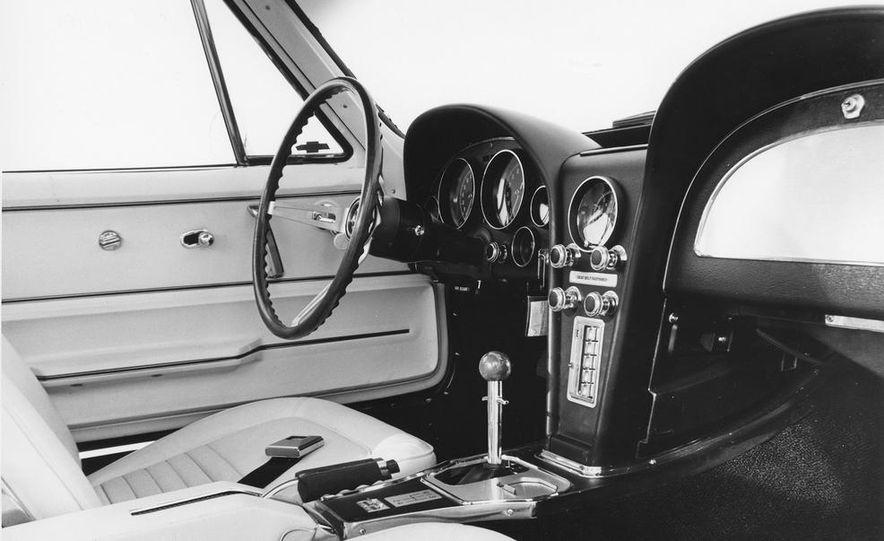 1967 Chevrolet Corvette 427 - Slide 7