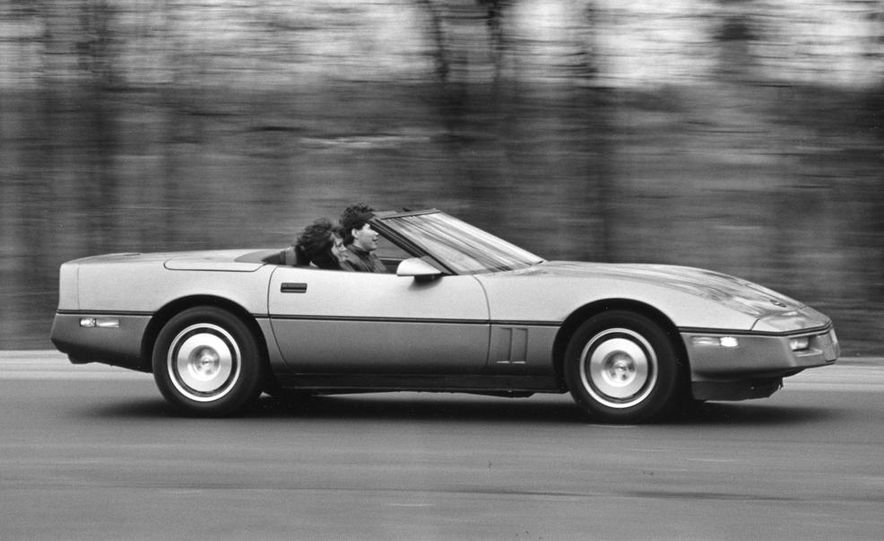 1986 Chevrolet Corvette convertible - Slide 3
