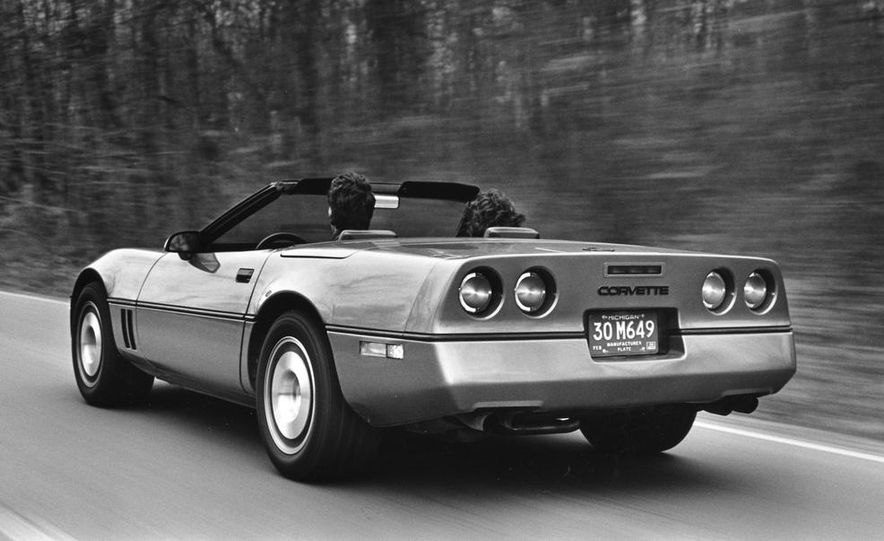 1986 Chevrolet Corvette convertible - Slide 4