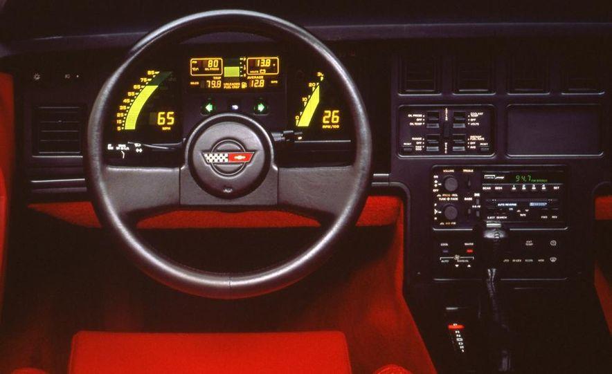 1989 Chevrolet Corvette convertible - Slide 8