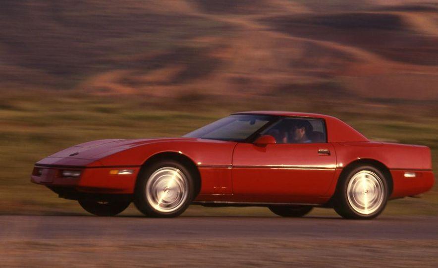 1989 Chevrolet Corvette convertible - Slide 2