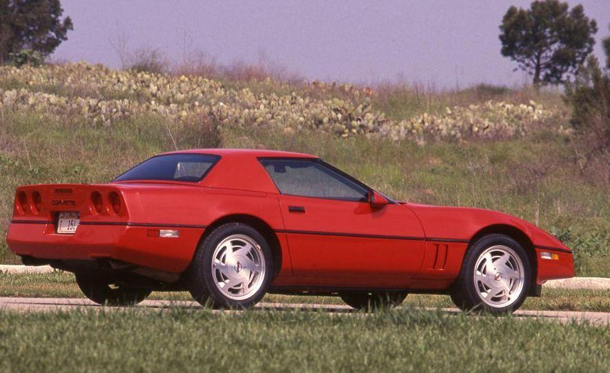 1989 Chevrolet Corvette convertible - Slide 4