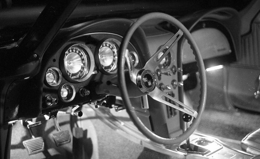 1963 Chevrolet Corvette Sting Ray - Slide 14