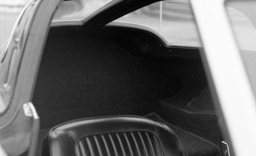 1963 Chevrolet Corvette Sting Ray - Slide 18