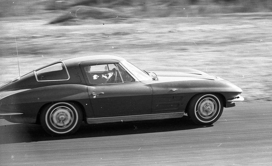 1963 Chevrolet Corvette Sting Ray - Slide 5