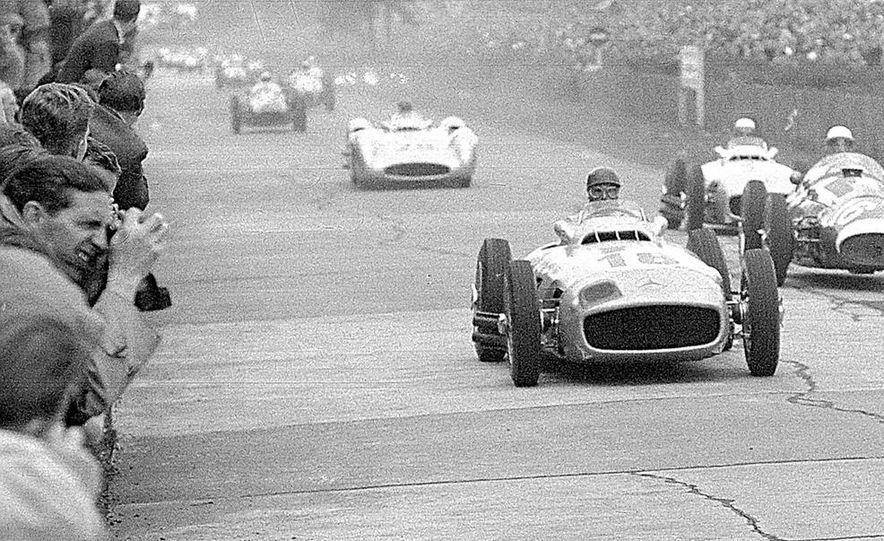 Mercedes-Benz W196 Grand-Prix race car - Slide 1