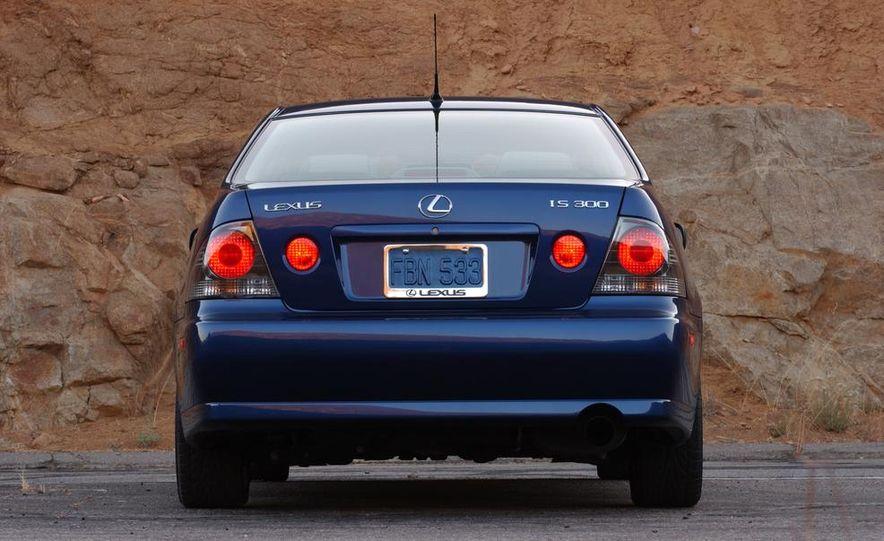 2001 Lexus IS300 - Slide 5