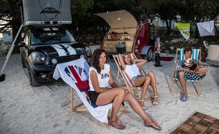 MINI Countryman ALL4 Camp concept, MINI Cowley concept trailer, MINI Clubvan Camper concepts - Slide 3