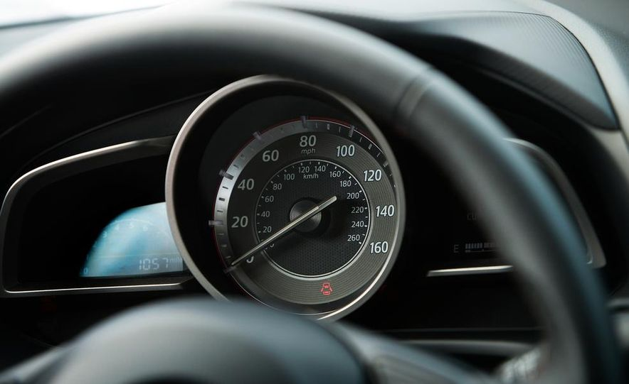 2014 Mazda 3 hatchback - Slide 19
