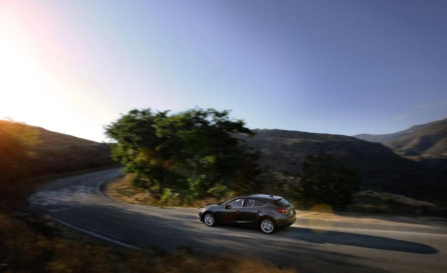 2014 Mazda 3 hatchback - Slide 8