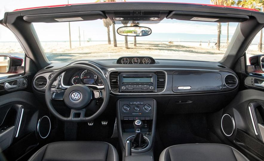 2013 Volkswagen Beetle Convertible - Slide 8