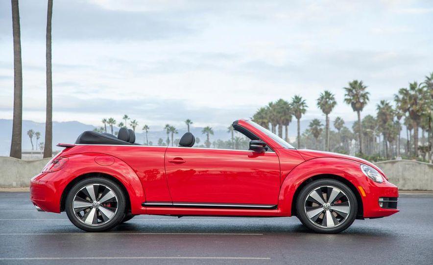 2013 Volkswagen Beetle Convertible - Slide 4