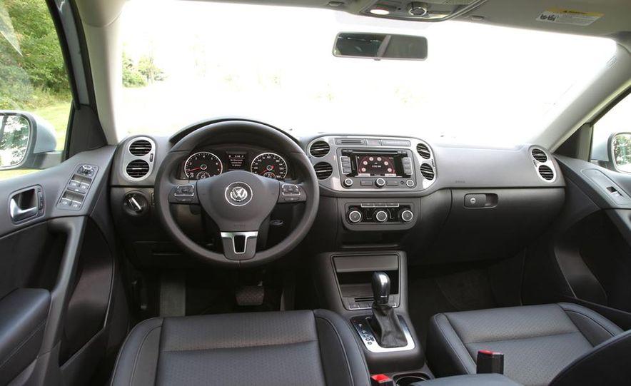 2013 Volkswagen Beetle Convertible - Slide 39