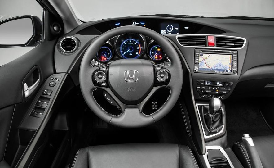 2014 Honda Civic Tourer - Slide 25