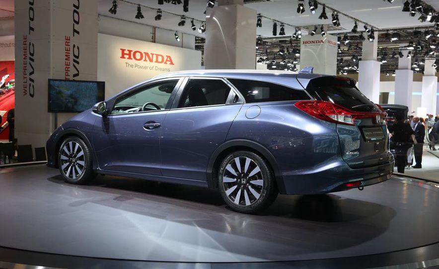 2014 Honda Civic Tourer - Slide 6
