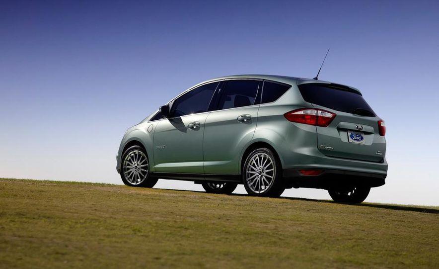 2013 Ford C-Max Energi Plug-In Hybrid - Slide 3