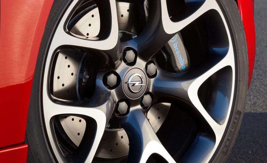 2014 Opel Insignia OPC - Slide 7