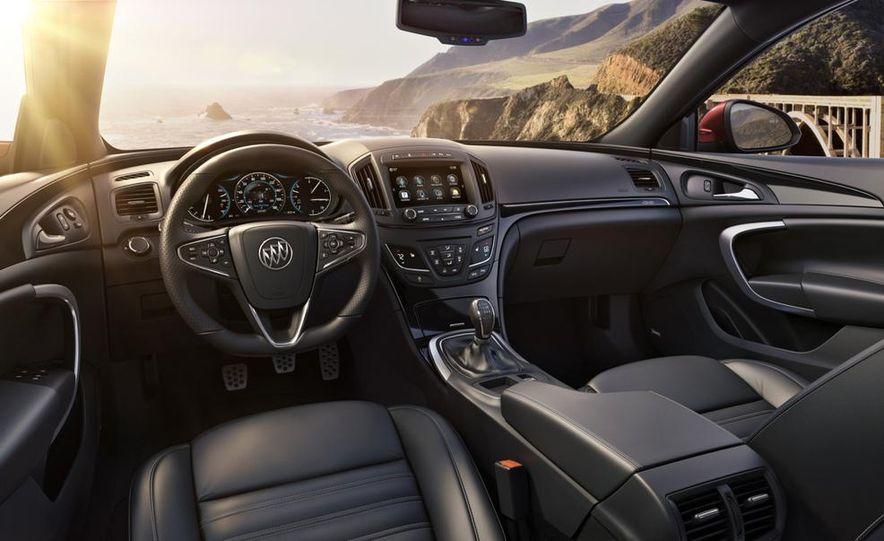 2014 Buick Regal Turbo AWD - Slide 19