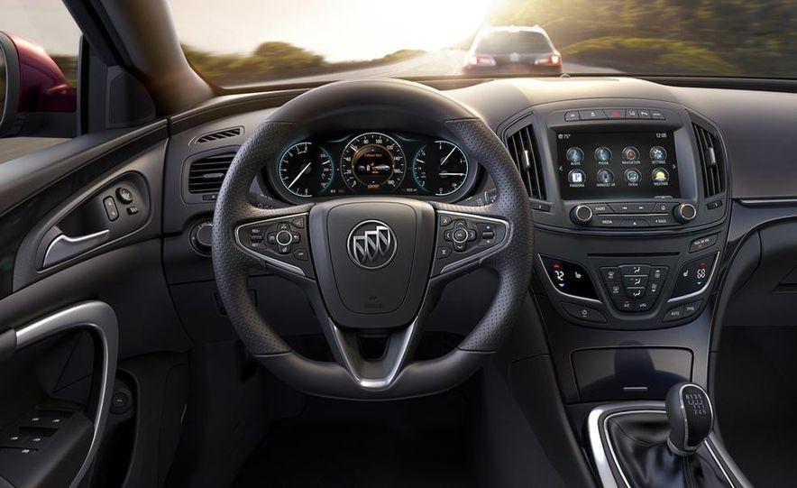 2014 Buick Regal Turbo AWD - Slide 20