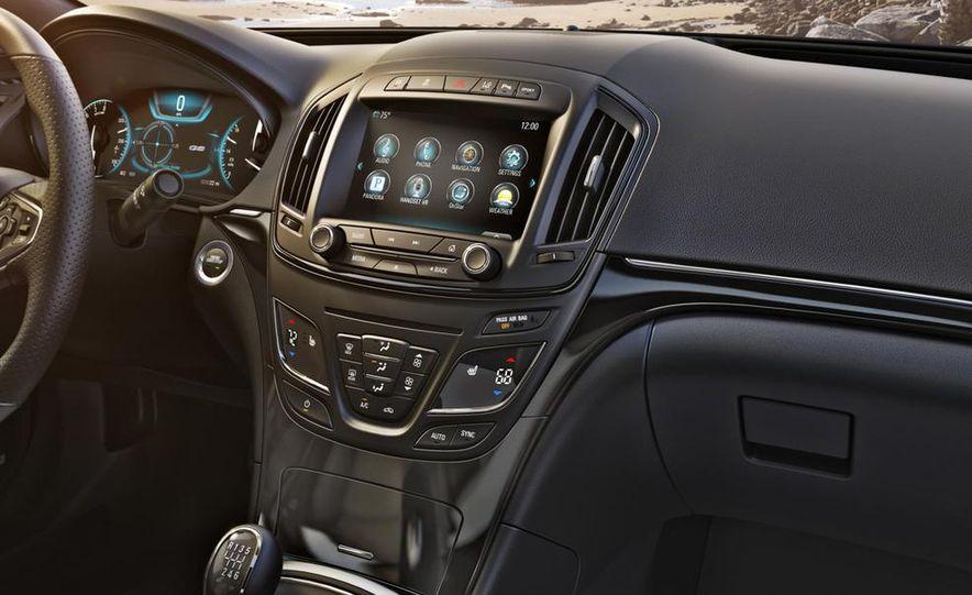 2014 Buick Regal Turbo AWD - Slide 21