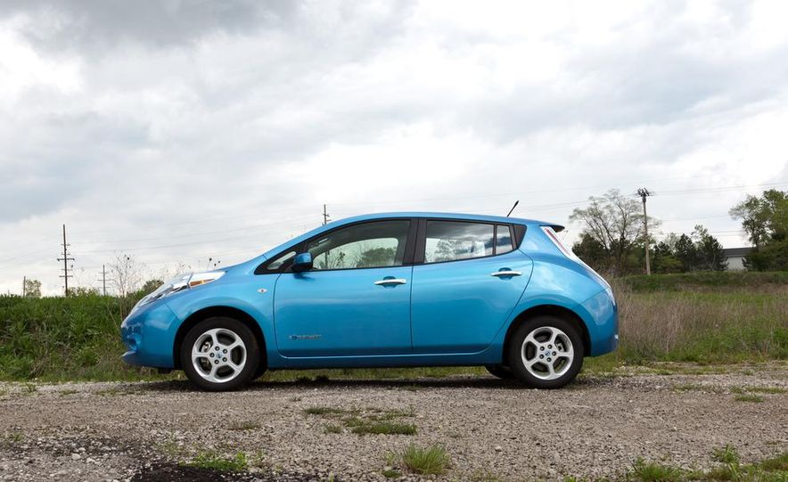 2013 Nissan Leaf - Slide 32