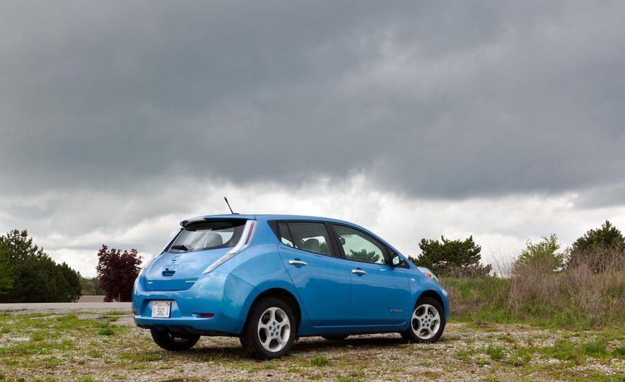 2013 Nissan Leaf - Slide 34
