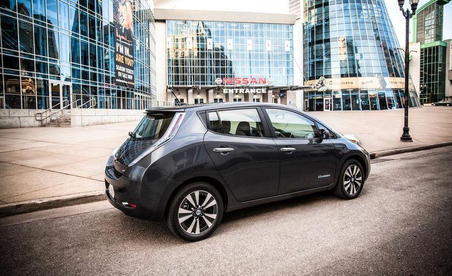 2013 Nissan Leaf - Slide 3