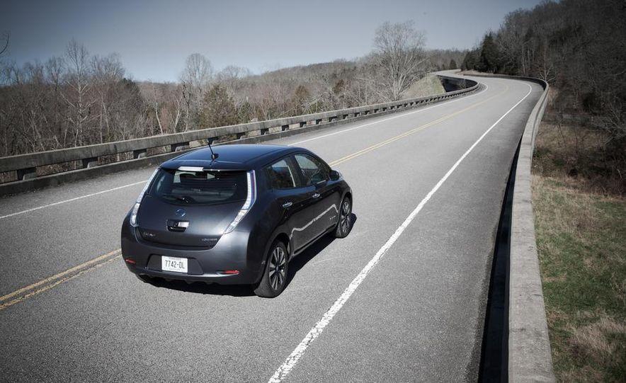 2013 Nissan Leaf - Slide 5