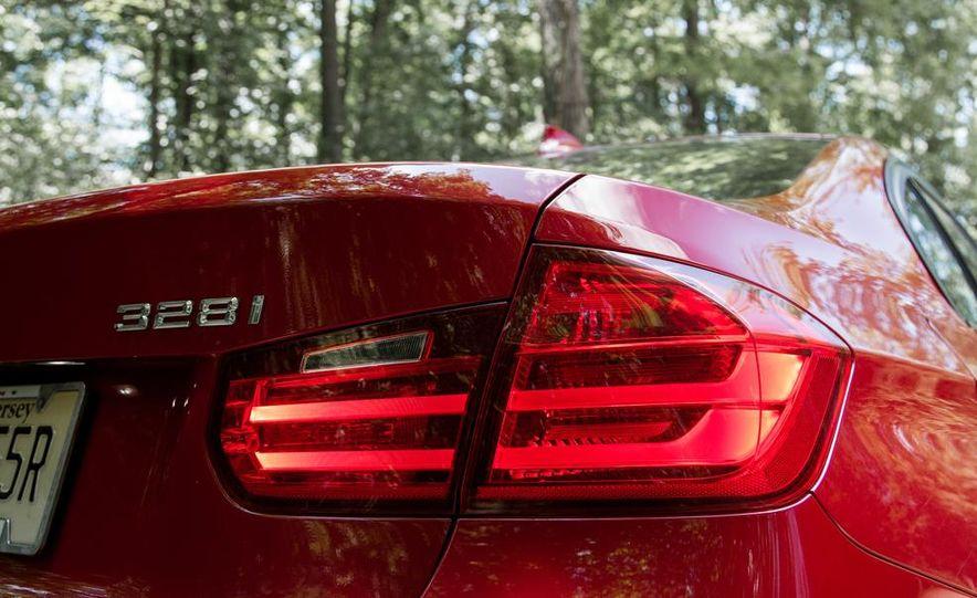 BMW 328i (F20) - Slide 23