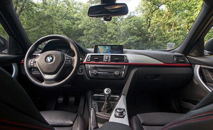 BMW 328i (F20) - Slide 26