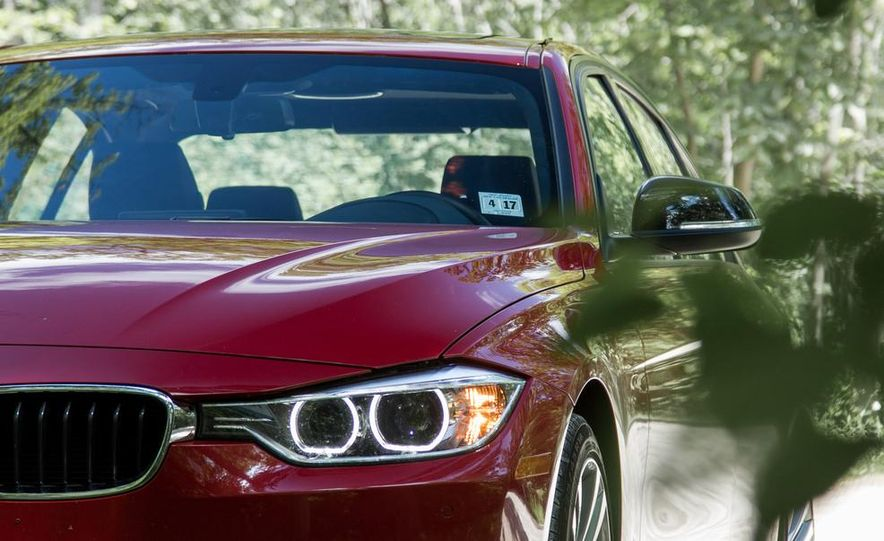 BMW 328i (F20) - Slide 24