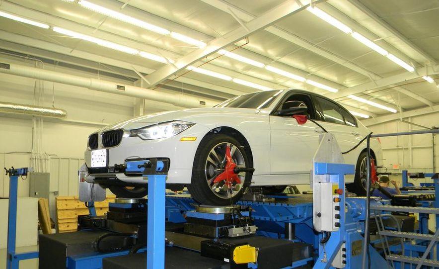 BMW 328i (F20) - Slide 1
