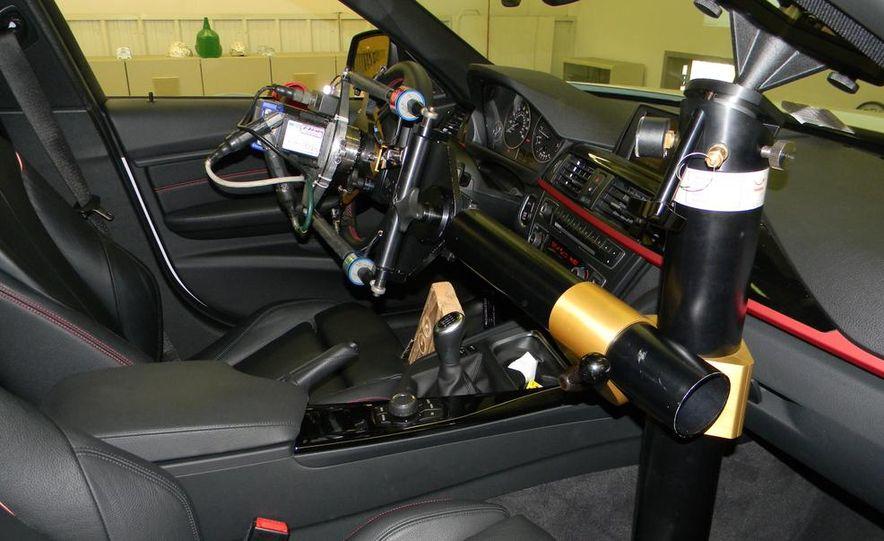 BMW 328i (F20) - Slide 3