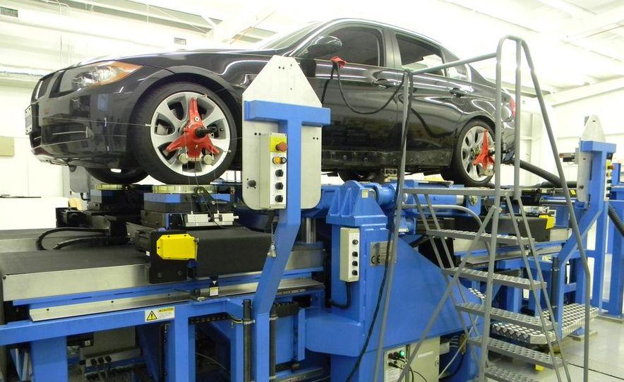 BMW 328i (F20) - Slide 4