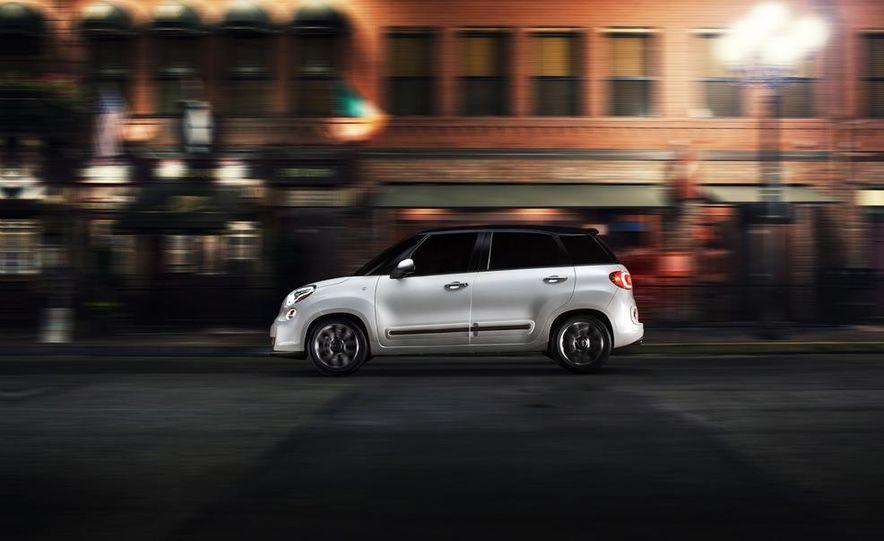 2014 Fiat 500L - Slide 18