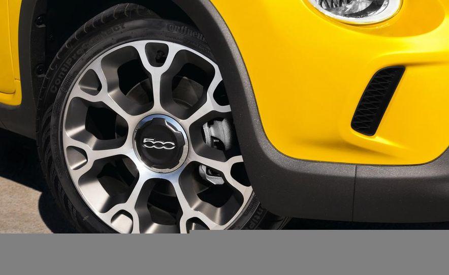 2014 Fiat 500L - Slide 17
