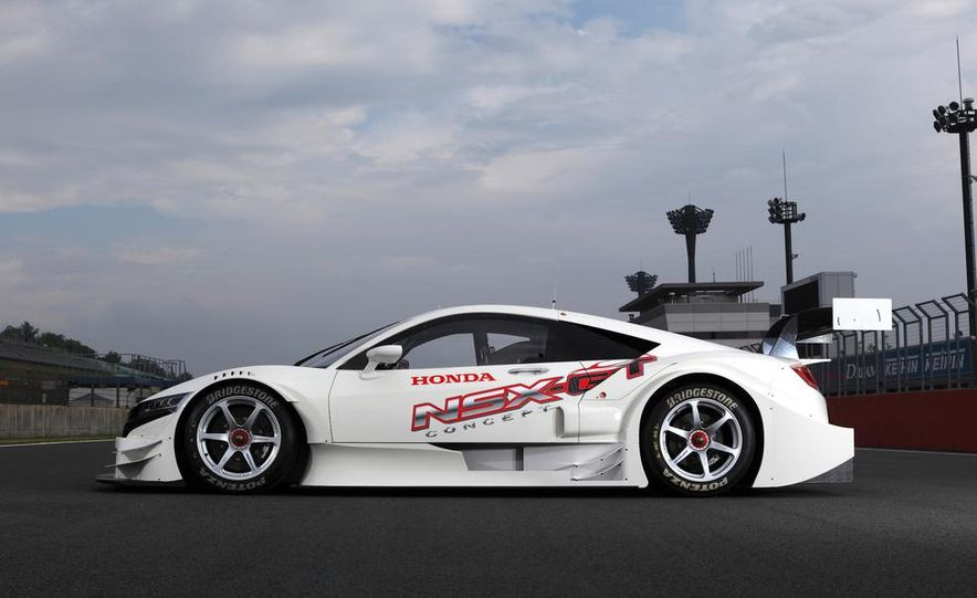 NSX Concept-GT race car - Slide 9