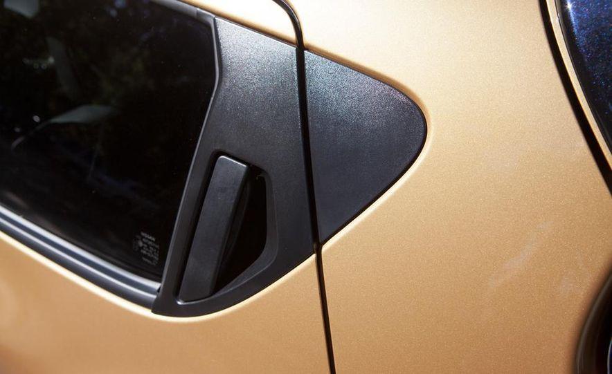2013 Nissan Juke SL AWD - Slide 23