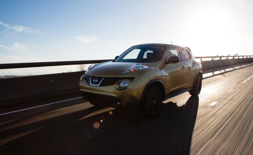 2013 Nissan Juke SL AWD - Slide 4