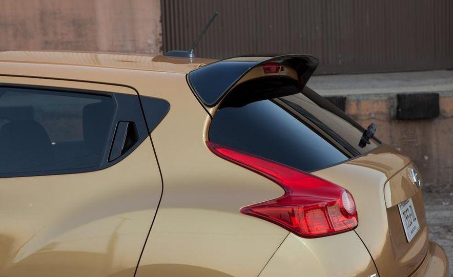 2013 Nissan Juke SL AWD - Slide 21