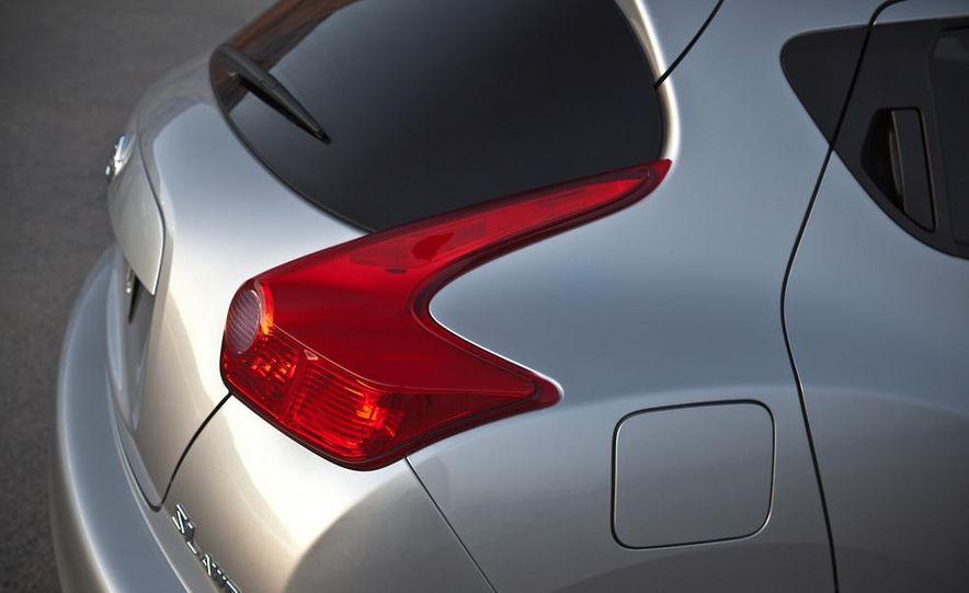 2013 Nissan Juke SL AWD - Slide 42