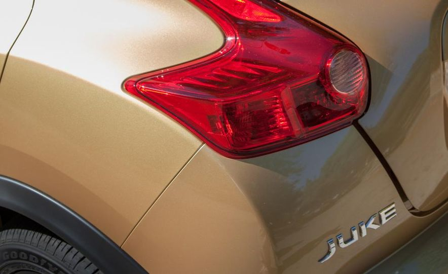 2013 Nissan Juke SL AWD - Slide 22
