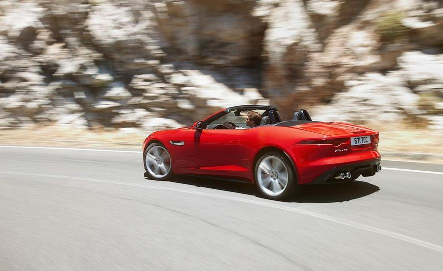 2014 Jaguar F-type V-8 S - Slide 15