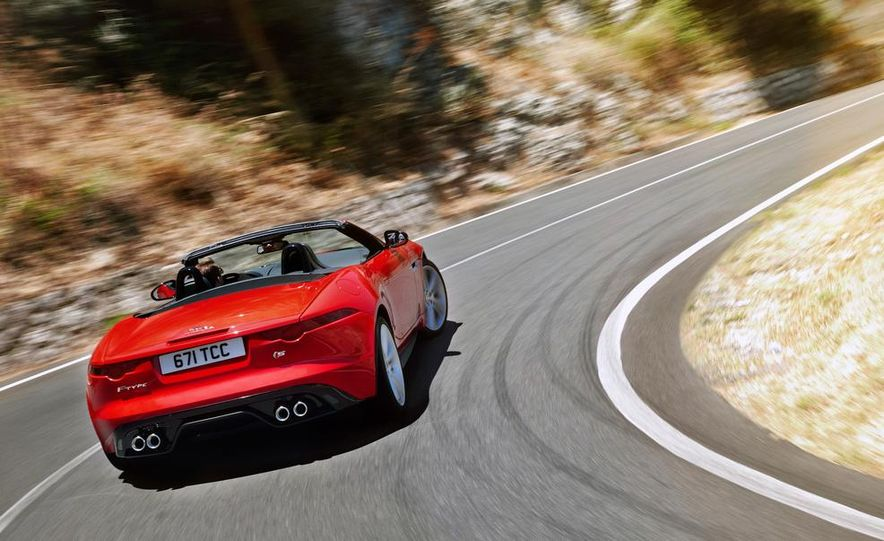 2014 Jaguar F-type V-8 S - Slide 16