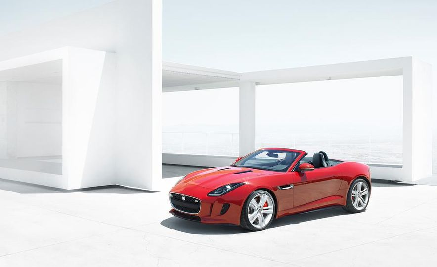 2014 Jaguar F-type V-8 S - Slide 17