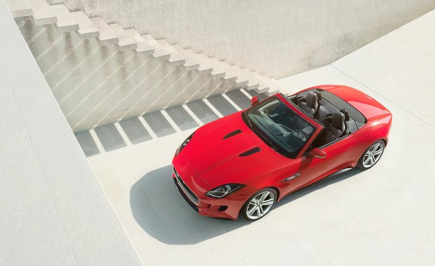 2014 Jaguar F-type V-8 S - Slide 19