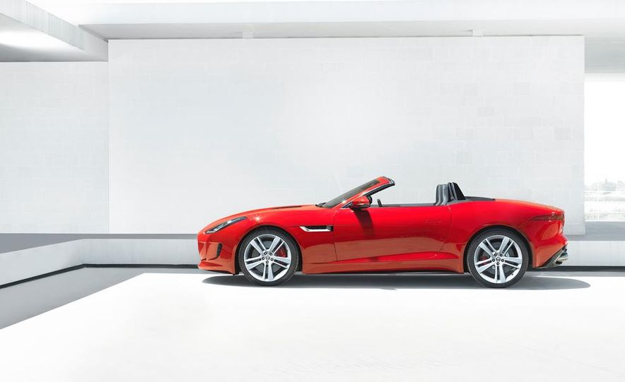 2014 Jaguar F-type V-8 S - Slide 20