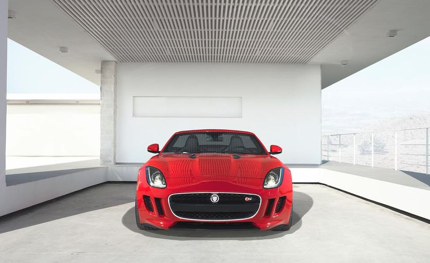 2014 Jaguar F-type V-8 S - Slide 21