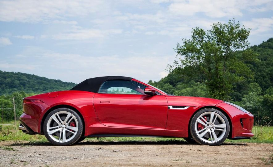2014 Jaguar F-type V-8 S - Slide 4