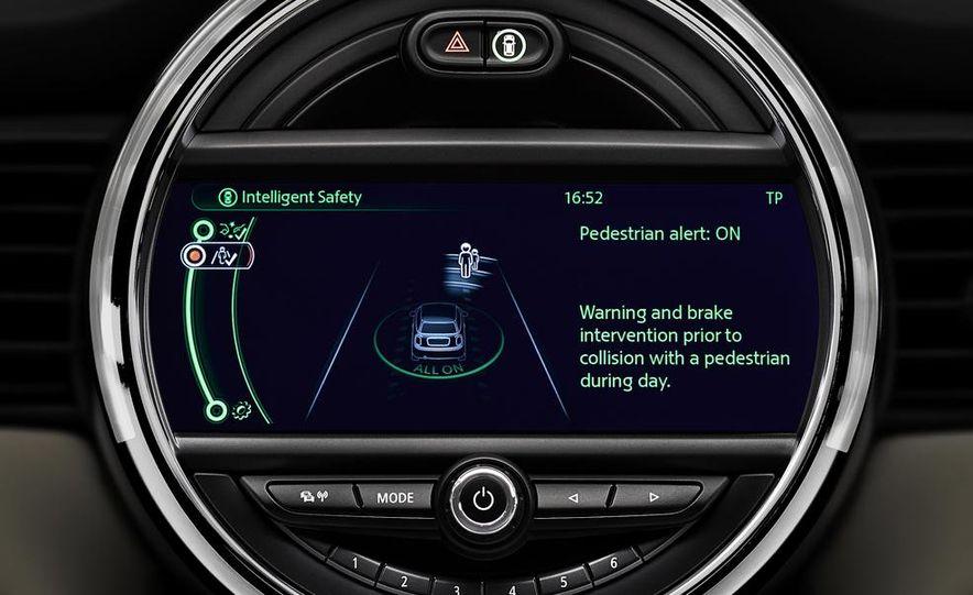 2014 Mini Cooper steering-wheel-mounted controls - Slide 4